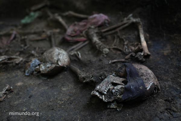 ExhumacionCoban_01