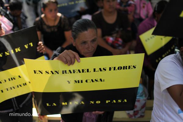 Pro-Consulta Demonstration in San Rafael Las Flores